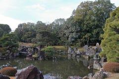 Ninomaru trädgård av den Nijo slotten Arkivfoton