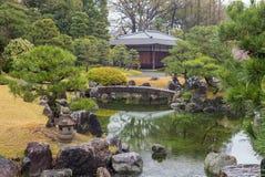Ninomaru trädgård i den Nijo slotten i Kyoto, Japan Arkivfoto