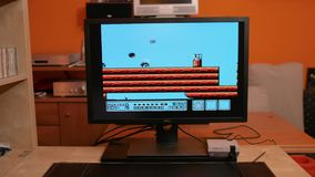 Nintengo NES, Super-Mario 3 spielend stock video footage