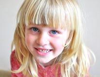 Niño de la sonrisa Fotografía de archivo