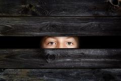 Niño de ocultación Fotos de archivo
