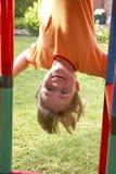 Niño en el poste que sube 05 Imágenes de archivo libres de regalías