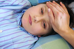 Niño enfermo Imagen de archivo libre de regalías