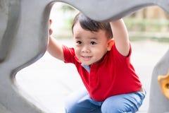 Niño pequeño en teatro Imagen de archivo libre de regalías
