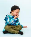 Niño pequeño juguetón Foto de archivo libre de regalías