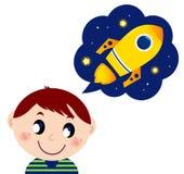 Niño pequeño que soña sobre el juguete del cohete Foto de archivo