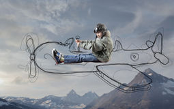 Niño que es un aviador Fotos de archivo