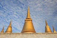 Nio-slut pagod i templet av marmor Pali Canon (tripitakaen) Fotografering för Bildbyråer