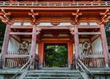 Nio-staty på den Daigo-ji templet i Kyoto, Japan Arkivfoto