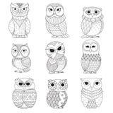 Nio ugglor planlägger för färgläggningbok, tatuering, skjortadesign och annan garnering vektor illustrationer
