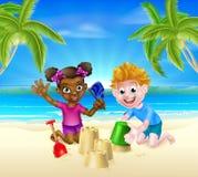 Niños de la historieta en la playa Imágenes de archivo libres de regalías