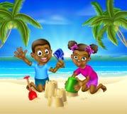 Niños de la historieta en la playa Foto de archivo libre de regalías