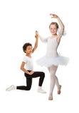 Niños interraciales que bailan junto Imagen de archivo libre de regalías