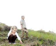 Niños que exploran Foto de archivo libre de regalías