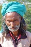 NIRONA,古杰雷特,印度- 2013年12月19日:一个地方人的画象在Nirona,在普杰附近的地方村庄 图库摄影