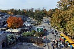 NIS,塞尔维亚2017年10月21日:堡垒和公园里面看法在Nis城市 库存照片