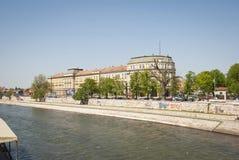 Nis con el río de Nisava, Serbia Foto de archivo libre de regalías