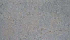 Niska jakość leczący tynk łatwo pęka ścianę zdjęcia royalty free