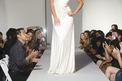 Niska sekcja kobieta Na moda wybiegu fotografia royalty free