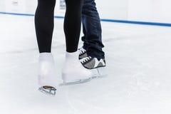 Niska sekcja lodowa łyżwiarka obraz royalty free