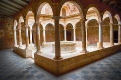 Niski przyklasztorny Kartuzjański monaster Escaladei obrazy stock