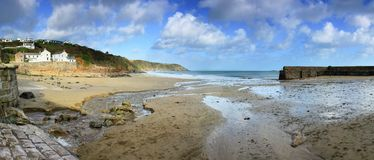Niski przypływ, Gorran przystań, Cornwall obrazy royalty free