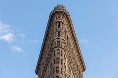 Niskiego kąta Architektoniczny Zewnętrzny widok górne piętra Historyczny Flatiron budynek w Manhattan, Miasto Nowy Jork Zdjęcie Royalty Free
