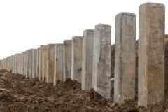 Niskiego kąta betonu słupy na ziemi Obrazy Royalty Free