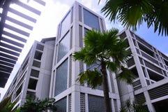 Niskiego kąta widok Uniwersytecki budynek obrazy royalty free