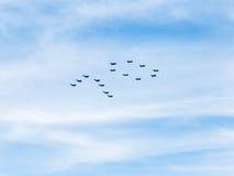 Niskolotni wojownicy i szturmowi samoloty w niebie Obraz Royalty Free