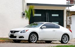 Nissan Altima images stock