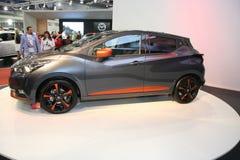Nissan bij het Car Show van Belgrado Stock Afbeeldingen