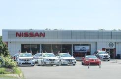 Nissan Car en SUV-het Handel drijven stock foto's