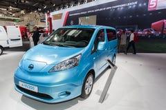 Nissan E-NV200 elkraftskåpbil Arkivbilder