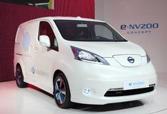 Nissan E-NV200 elkraftbegrepp Royaltyfri Bild