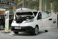 Nissan Electric Van e-nv200 Charging Battery Stock Images