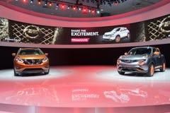 Nissan Murano pojęcie 2015 i Nissan Juke 2015 na pokazie Zdjęcie Stock