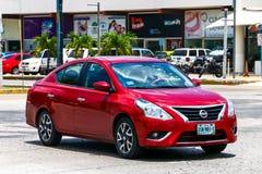 Nissan Versa imágenes de archivo libres de regalías