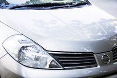 Nissan-voorzijde Stock Afbeeldingen