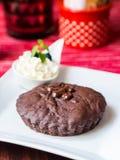 Nisse som göras av 75% mörk choklad Royaltyfria Bilder