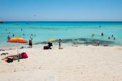 Nissi海滩胜地 白色沙子和透明的海水 Cypr 库存图片