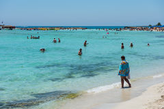 Nissi beach resort. White sand and crystal clear sea water. Cypr Stock Photos