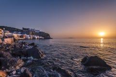 Nissiros-Sonnenuntergang Lizenzfreie Stockbilder