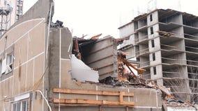 Niszczył budynek mieszkaniowego po katastrofy zdjęcie wideo
