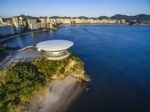 Niteroi stad, Rio de Janeiro tillstånd/Brasilien Sydamerika - 01/27/2019 beskrivning: MAC Niteroi Museum av samtida konst av Ni royaltyfria foton