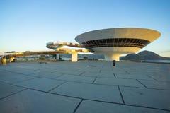 Niteroi stad, Rio de Janeiro tillstånd/Brasilien Sydamerika - 01/27/2019 beskrivning: MAC Niteroi Museum av samtida konst av Ni royaltyfri foto