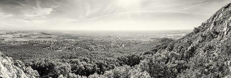 Nitra市的全景从Zobor小山的,无色 免版税图库摄影