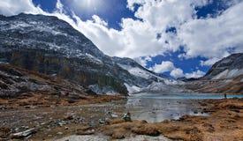 Niunaihai Yading, Qinghai Royaltyfria Bilder