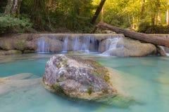 Nivå 1 av den Erawan vattenfallnationalparken, Kanjanaburi Thailand Fotografering för Bildbyråer
