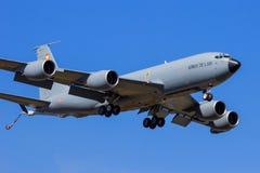 Nivå för Frankrike flygvapenBoeing C-135 militär tankfartyg Arkivfoton